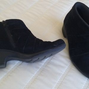 Clarks black suede low rise boots